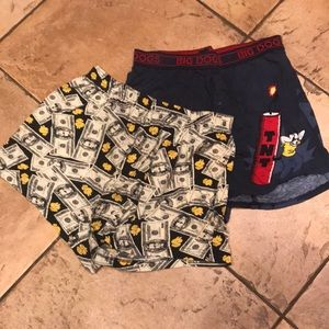 2 boxer shorts. Size M.Big Dog and no boundaries